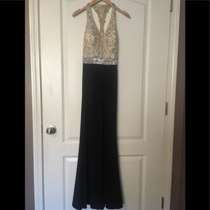 Dresses & Skirts - 🤩Beautiful dress, perfect for any special event!